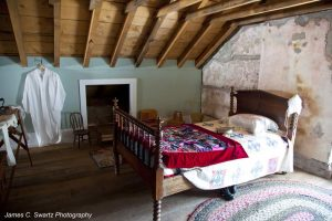 Chantry Island Keeper's Cottage - bedroom