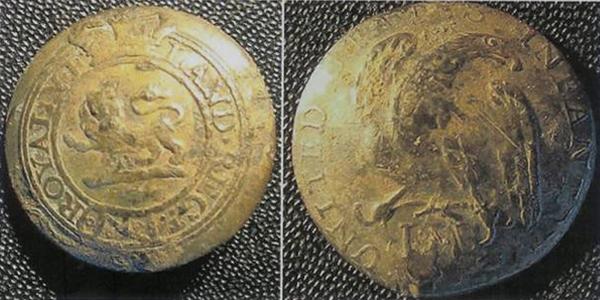 General Hunter Shipwreck, Southampton, ON - Artifacts - Buttons