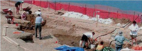 volunteers-2004-dig-1